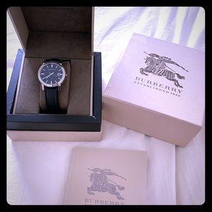Burberry BU9009 - The City Black Leather Watch